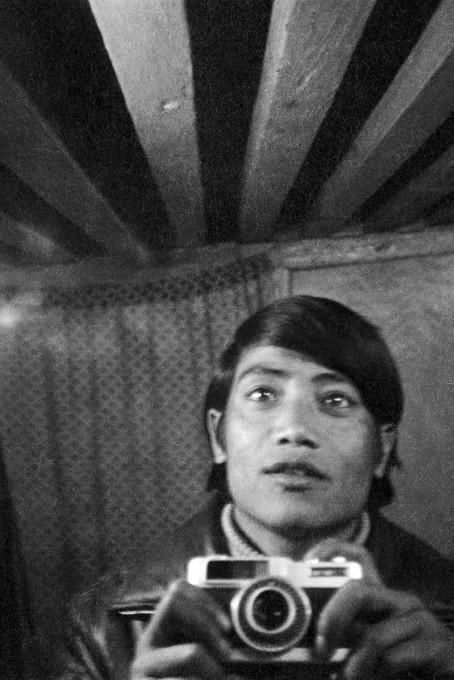 Zbirka Džudžu Bhaj Dhakva, Nepal Picture Library.