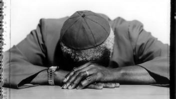 Jillian Edelstein: Archbishop Desmond Tutu, 2001.