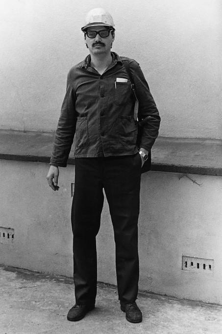 Simon Menner: Iz serije Nadzorni ustroj – Fotografije iz skrivnega arhiva Stasi (Vohuni fotografirajo vohune).