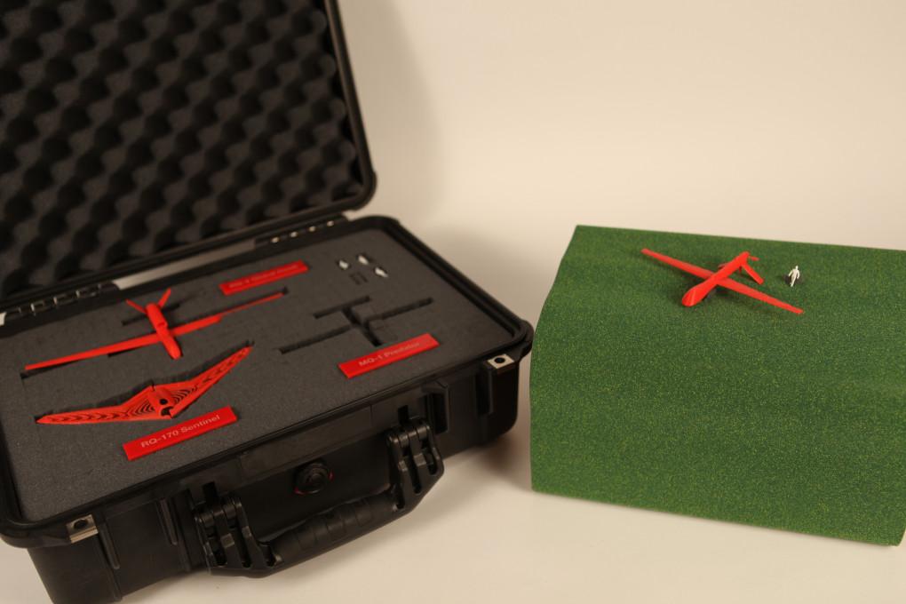 Slika 10, James Bridle, Zamrznjena video sličica iz Identifikacijska oprema UAV (UAV Identification Kit, 2012). Z dovoljenjem avtorja / booktwo.org.