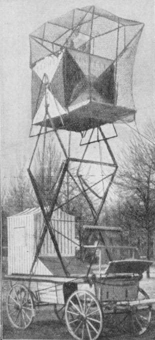 Slika 8. Dvižni golobnjak s temnico. (Ilustrirani glasnik 1914, št. 8, 90)