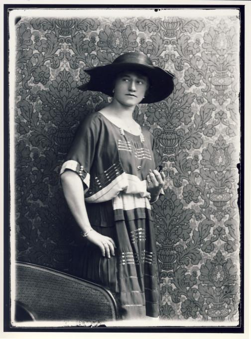 Josip Pelikan, ženski portret, 30. leta 20. stoletja. © Muzej novejše zgodovine Celje Josip