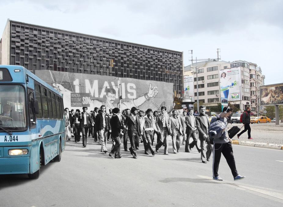 Füsun Turcan Elmasoğlu, »Še vedno je bilo nekaj skupin, ki še niso prišle na trg Taksim, ko je bil protest v polnem zamahu. Za ta dan so bili pripravljeni najbolj spektakularni transparenti.«