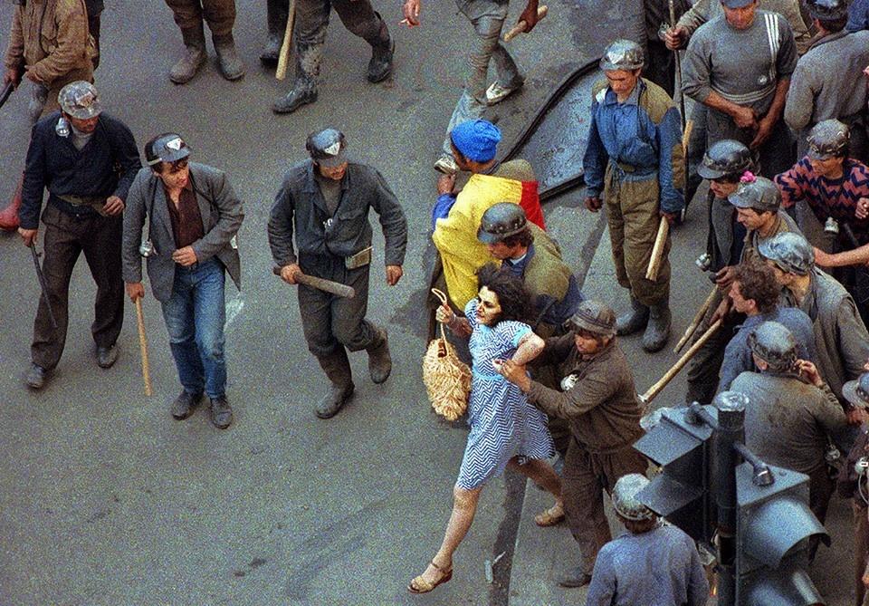 Slika 5. Variacije fotografije Dama v modri obleki.