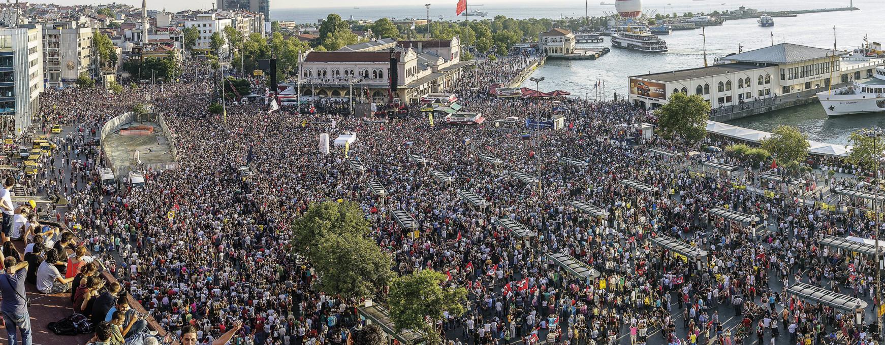 Glasbeni festival Gasman, Kadikoy, Istanbul, protest za park Gezi, 7. julij 2013.