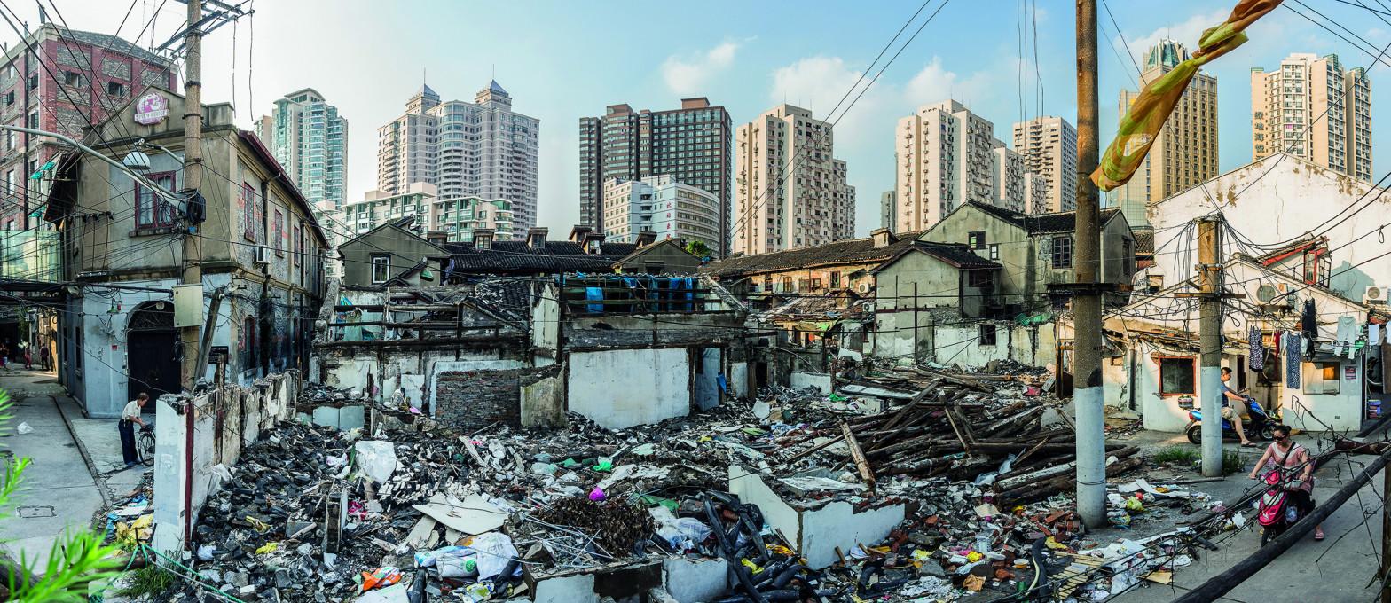 Murat Germen, Rušenje tradicionalne soseske v Šanghaju za gentrifikacijo in izgradnjo visokih luksuznih stanovanjskih sosesk.