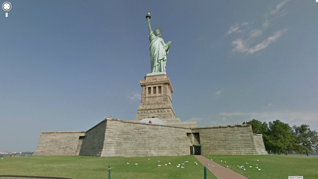 Marion Balac: Lady Liberty, Liberty Island, New York, USA. From the series Anonymous Gods, 2014.