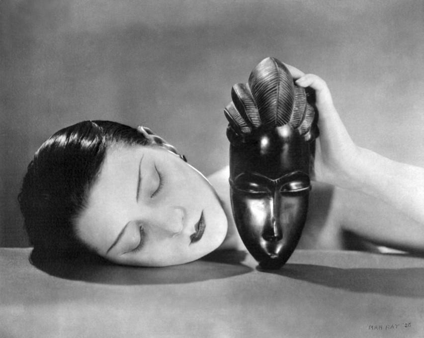 Slika 1. Man Ray, Noire et Blanche (Črno in belo), 1926, pozitiv.