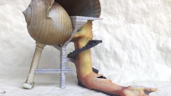 Andreas Angelidakis, Školjčna hiša, 2014. C-tisk. Galerija Breeder, Atene. Z dovoljenjem umetnika.