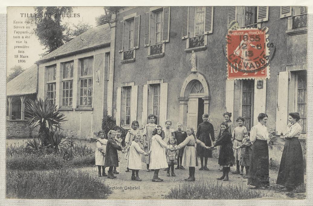 Slika 3. Tilly-sur-Seulles – Šola za nune, zbirka Gabriel, razglednica (prva in zadnja stran), okoli 1900, Francoska nacionalna knjižnica (BnF), Pariz.