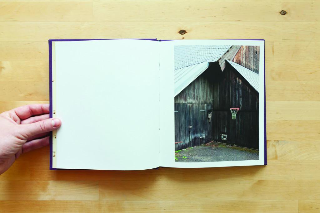 Matej Sitar, Morning sun The Angry Bat, trda vezava, naklada 500, format 21 x 24cm, 68 strani, Maribor, 2014.