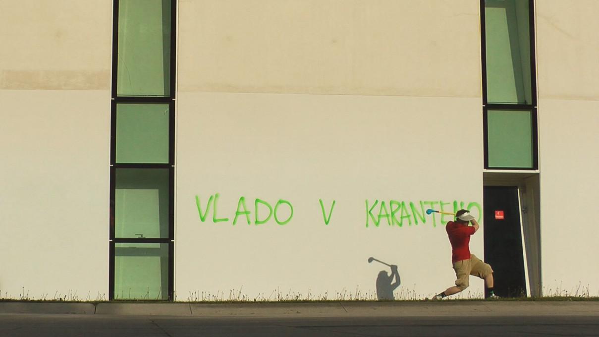 Jaša Jenull, Dovoljena rekreacija ..., slika iz videoposnetka, 18. april 2020, Ljubljana.