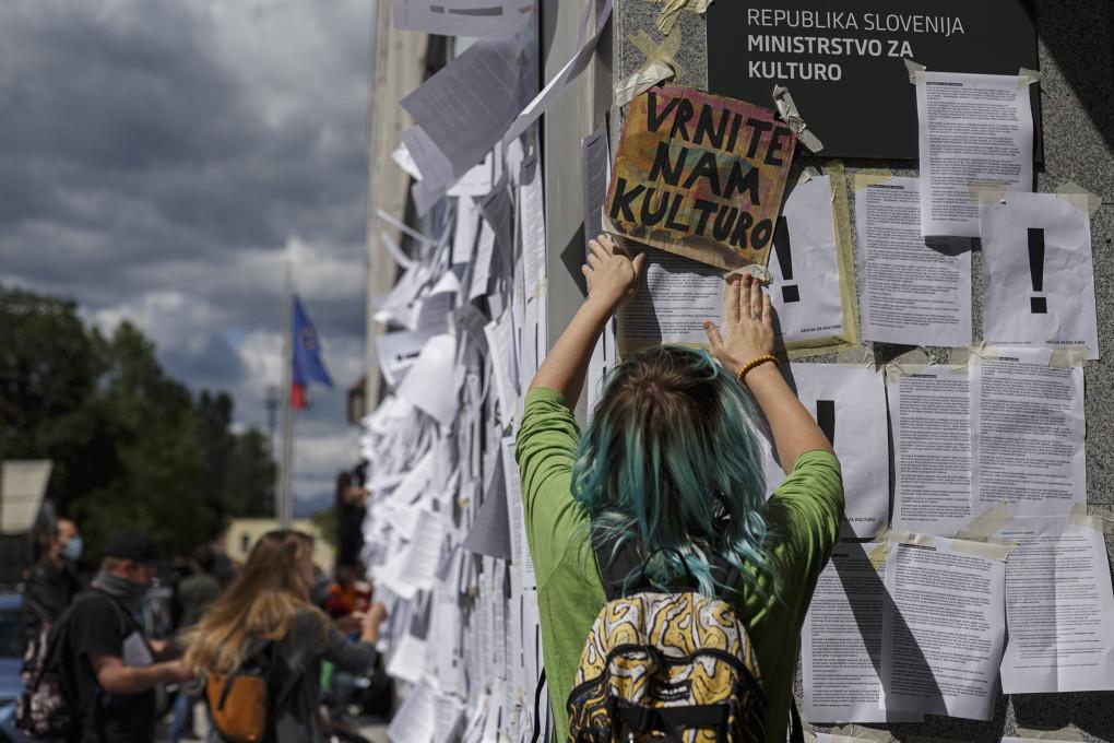 Slika 10. ADDK, 1. akcija za kulturo, protestni shod, 26. maj 2020, Ljubljana. Fotografija: Željko Stevanić.