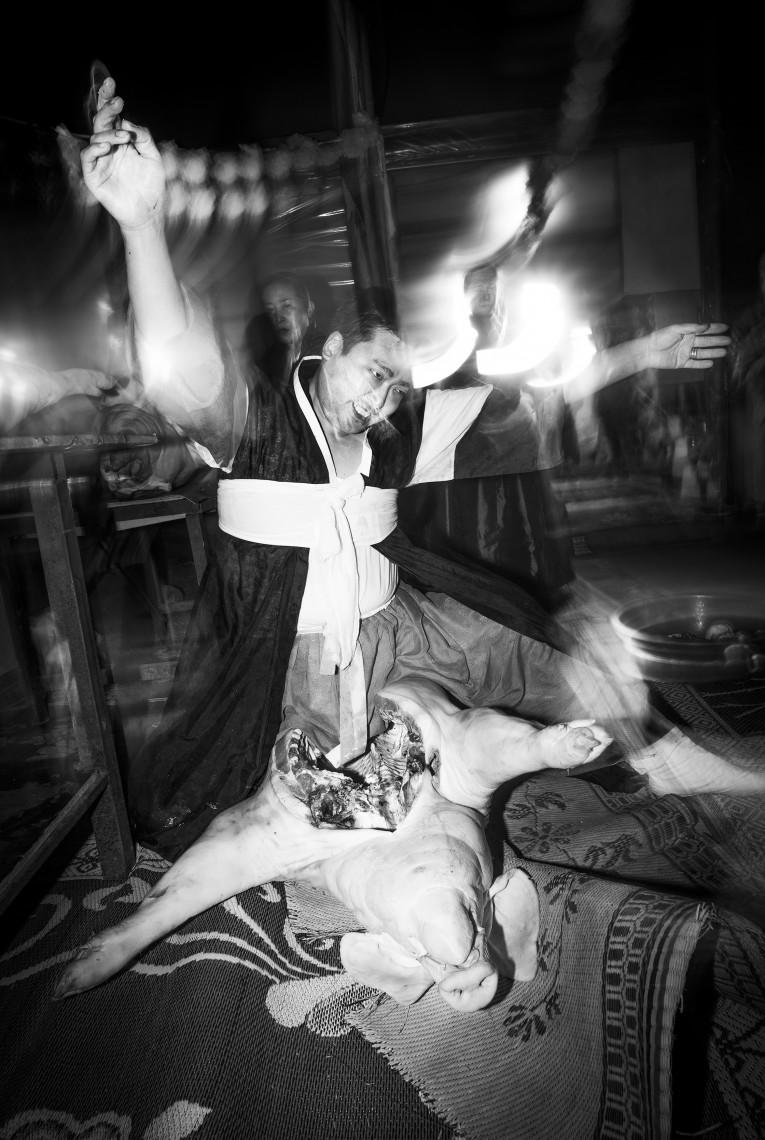 Dirk Schlottmann, Korejski šamanizem – ne eno ne drugo