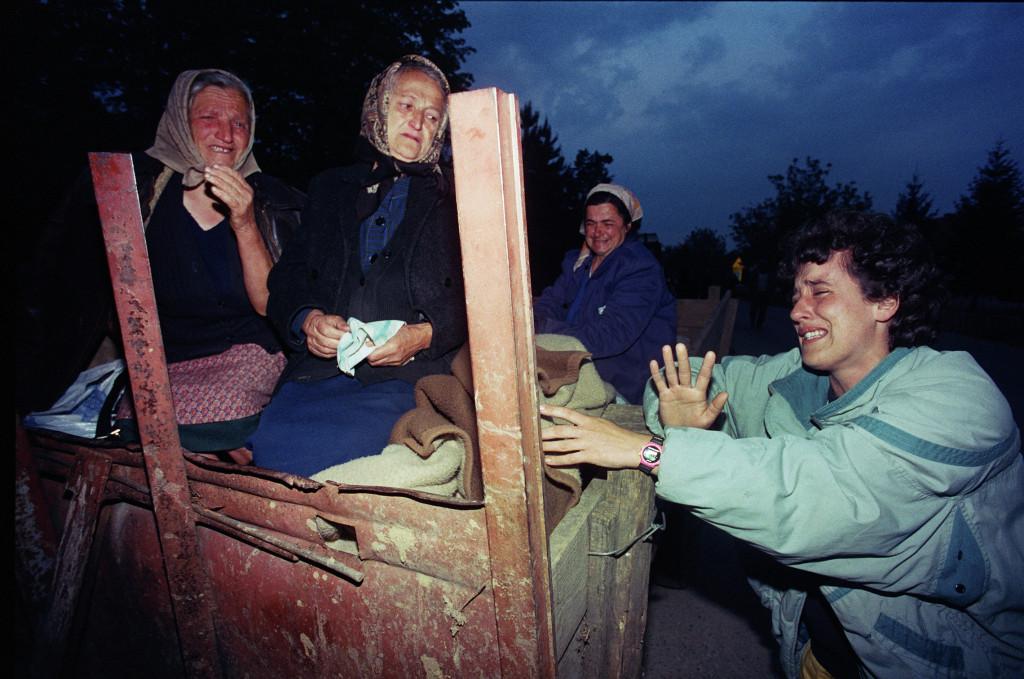 Srđan Ilić, Srbski begunci iz zahodne Slavonije med operacijo »Blisk«, Bosanska Gradiška, 1. 5. 1995.