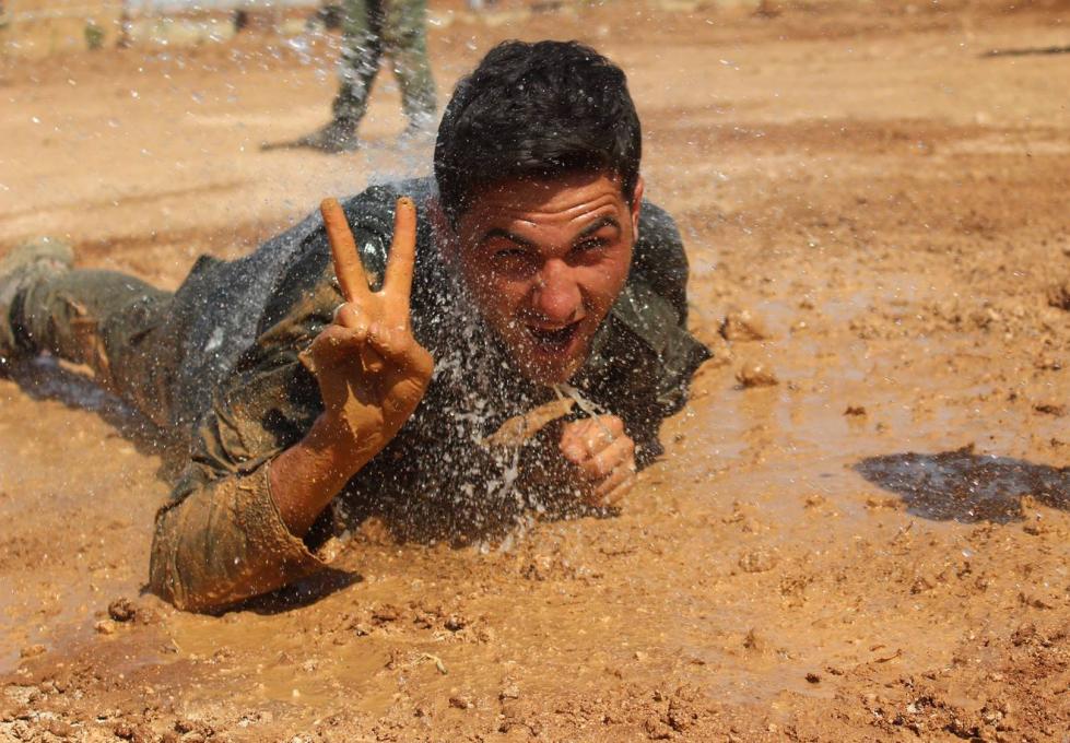 Yse fotografije: FLICKR: Kurdishstruggle, YPG Album, Creative Commons (CC BY 2.0). Dostopno na: https://www.flickr.com/photos/kurdishstruggle/albums/72157645769942267