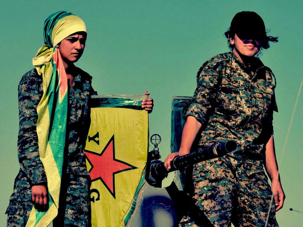 Kurdske YPG borke. Dodano na splet 25. junija 2015. FLICKR: Kurdishstruggle, YPG Album, Creative Commons (CC BY 2.0). Dostopno na: https://www.flickr.com/photos/kurdishstruggle/19147321485