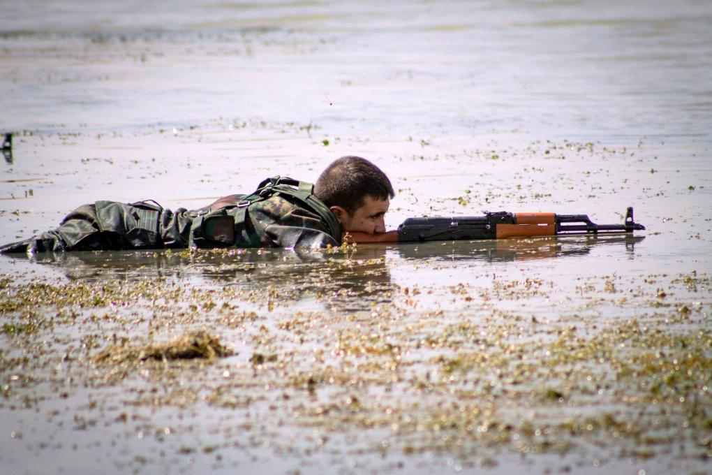 FLICKR: Kurdishstruggle, YPG Album, Creative Commons (CC BY 2.0). Dostopno na: https://www.flickr.com/photos/kurdishstruggle/albums/72157645769942267
