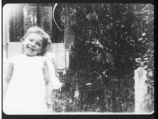 Iz / from: Na domačem dvorišču / In the Family Garden (Karol Grossmann), 1906.